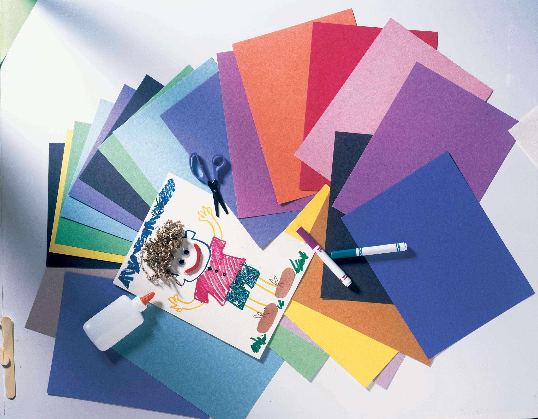 Construction Paper, Assorted Colors, 9x12, 300 Sheets